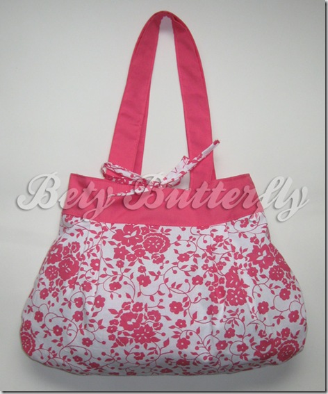 bolsa rosinha e branca