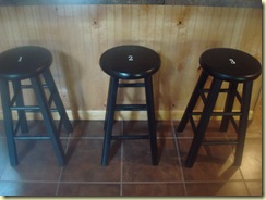 a room, garage, utility, stools 071