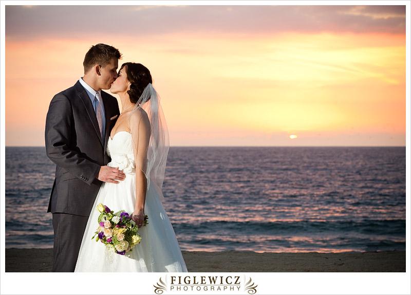 FiglewiczPhotography-AnneandPete-CrownPlaza-0068.jpg