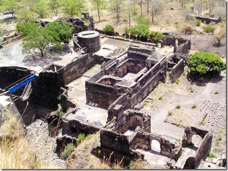 5.Daulatabad Fort - Historical Place in India (5)
