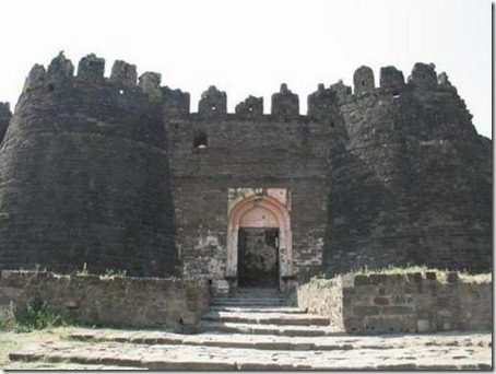 6.Daulatabad Fort - Historical Place in India