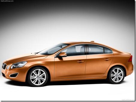 2011-Volvo-S60-Sedan-3