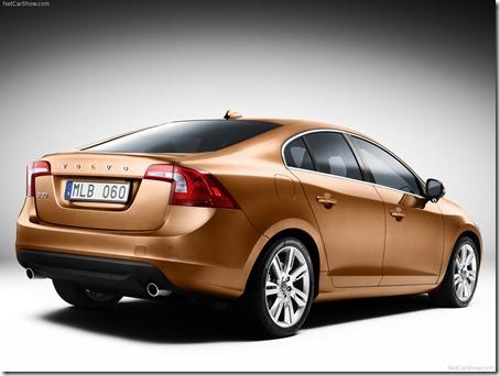 2011-Volvo-S60-Sedan-4