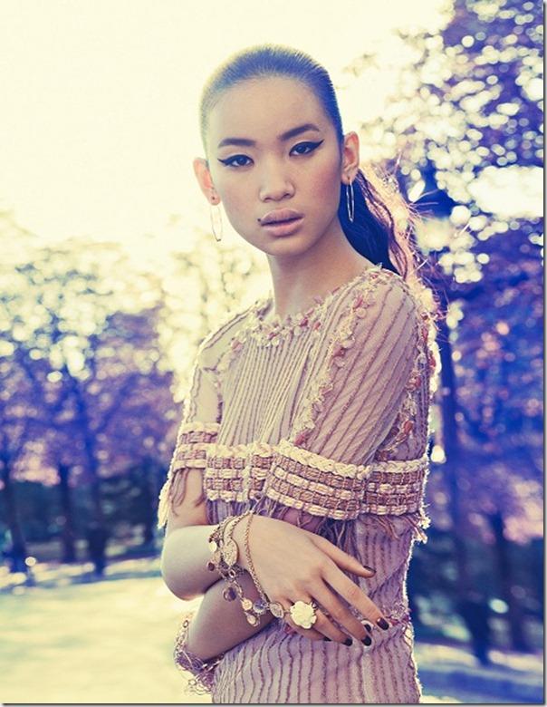 Kiki_Kang_by_Gyslain_Yarhi_(Midas_Touch_-_Harper___'s_Bazaar_Singapore_December_2010)_2