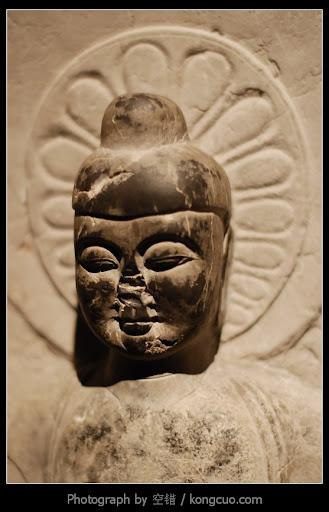 上海博物馆-佛-石像-微笑