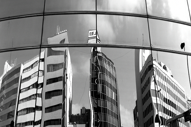 Shinjuku Mad - Subjected to reflection 02
