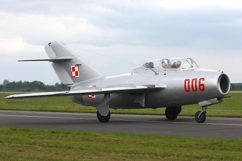 SB Lim-2 - Mikojan-Gurewicz MiG-15UTI.