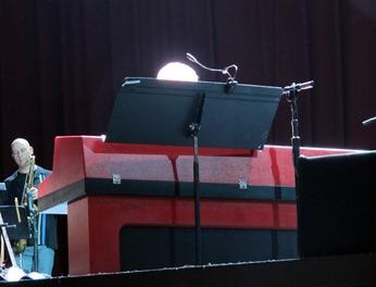 Michael McDonald, white hair blazing in the spotlight.