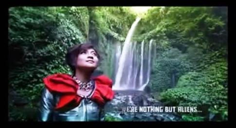 Indah Dewi Pertiwi - HIPNOTIS - Air Terjun Sendang GILE, Lombok, NTB