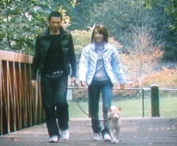 それにしてもイチローは一弓をかわいがってるなあ。子供と同じだもの。弓子婦人と散歩をしているときは、本当にリラックスした至福のときなんだろうな。
