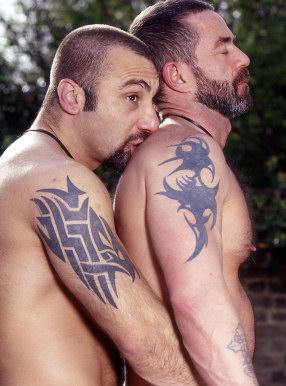 http://lh5.ggpht.com/_fw7iF68JR8k/Rgxx4IkMWuI/AAAAAAAABpc/pFfGwKQs0OM/gay-men-tattoos.jpg