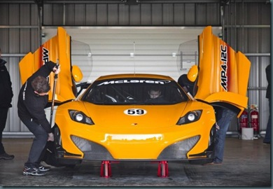 2012-McLaren-MP4-12C-GT3-Gullwing-Doors-600x414