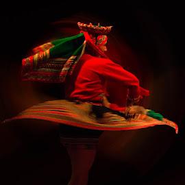 Bailarina Peruana.... by Jose German - People Musicians & Entertainers