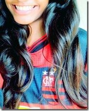 Meninas fake com camisas de times de futebol