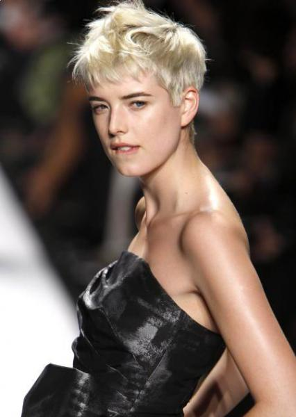 pixie haircut and styles