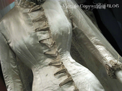 Victorian Wedding Gowns on Vintage Copywriting  The Steampunk Victorian Wedding Dress