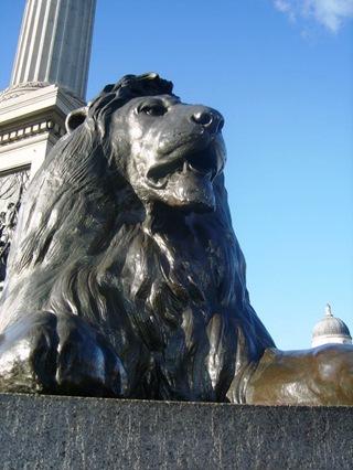 Trafalgar_square_lion