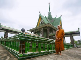 Bottle-Temple-in-Thailand-2