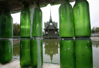 Bottle-Temple-in-Thailand-8