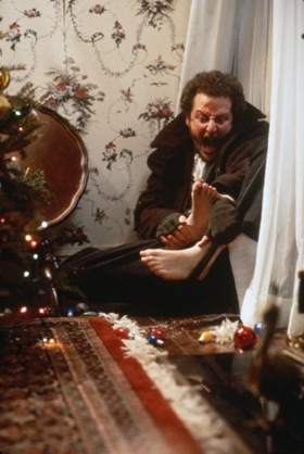 Elvis in Home Alone http://grahamsdownunderthoughts.blogspot.com/2010/12/christmas-movie-trivia-home-alone.html