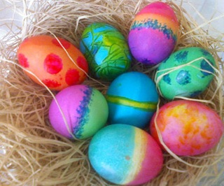 Colorful-dyed-easter-eggs