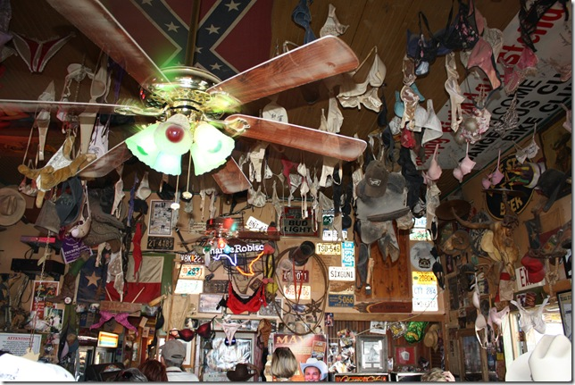 Cowboy Bar 116
