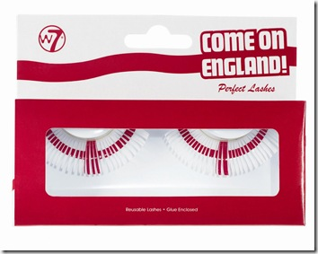 England_lashes_in_box_1