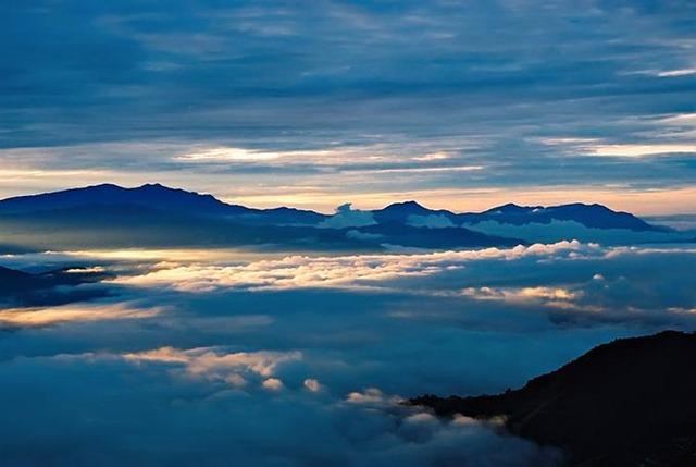 [Himalayan Sunrise[4].jpg]