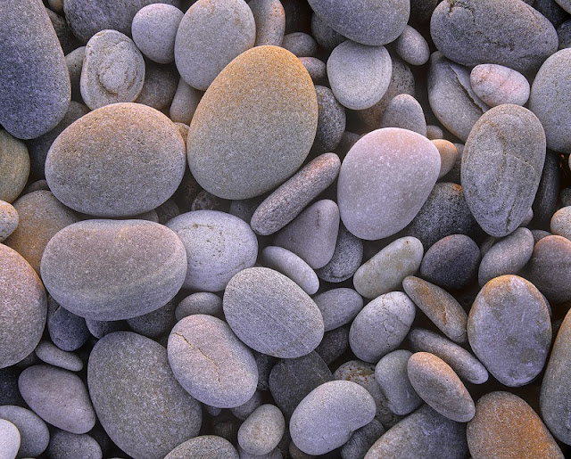 [just-stones-bed[4].jpg]