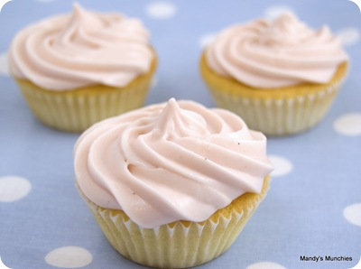 Cupcakes with fruity cream cheese frosting