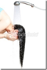 istockphoto_14740318-washing-hair