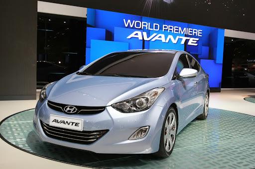 2011-Hyundai-Elantra-9.JPG