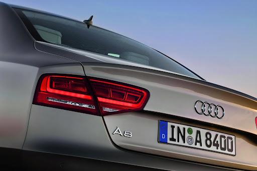 2010-Audi-A8-1.jpg