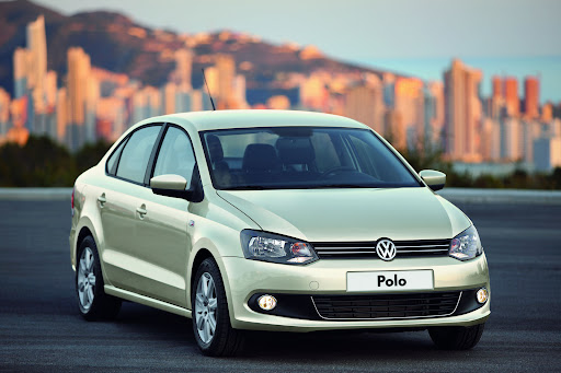 2010-Volkswagen-Polo-Sedan-4.jpg