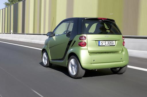 2011-Smart-ForTwo-06.jpg