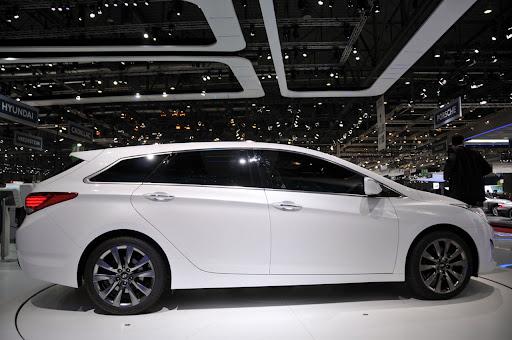 2011-Hyundai-i40-5.jpg