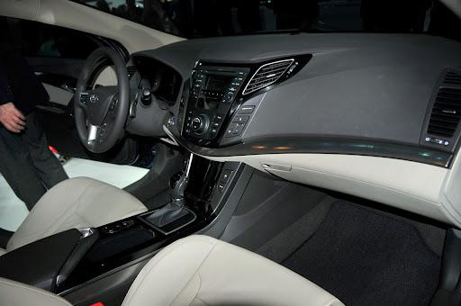2011-Hyundai-i40-9.jpg