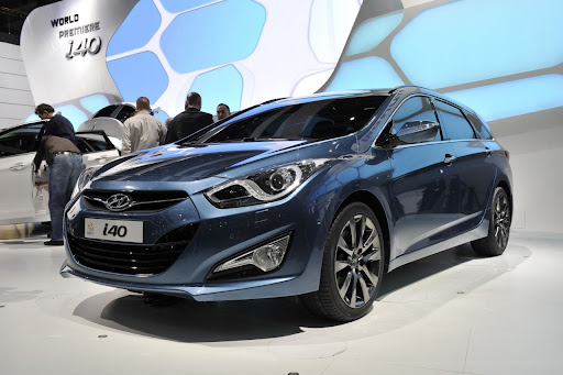 2011-Hyundai-i40-14.jpg
