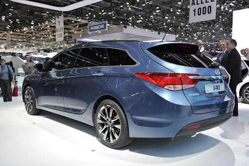 2011-Hyundai-i40-15.jpg
