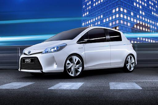 2012-Toyota-Yaris -HSD-12.jpg