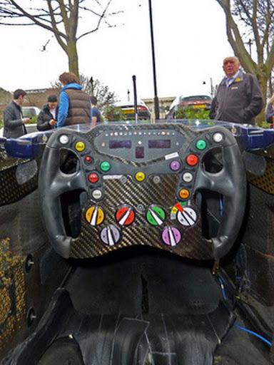 Formula1-Sterring-Wheel-10.jpg