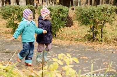 Осень, девочки-подружки