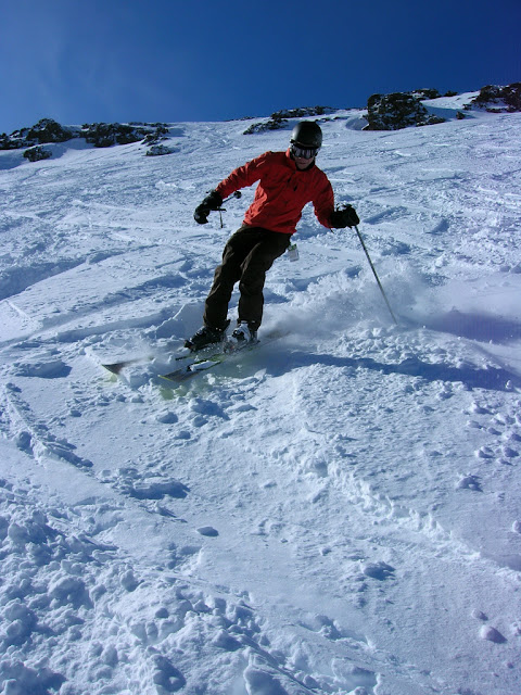 Scott carving the slope