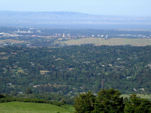 Close-up view of Portola Valley and Palo Alto