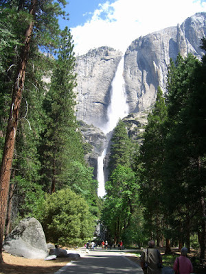 Yosemite Falls Walk