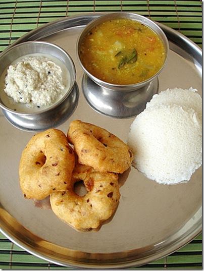 idli-vada-sambar-coconut-chutney