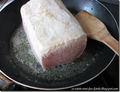 Cotlet de porc împănat - calim carnea in unt