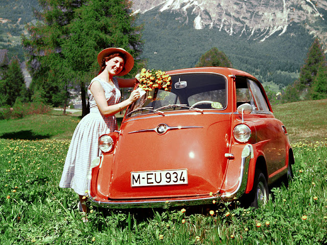 c1 Girls & Cars in European Vintage Ads