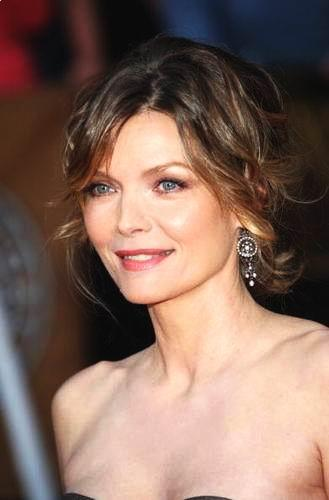 Short Hairstyles 2013 2014 Michelle Pfeiffer S Pulled Back Hairstyle For 50s