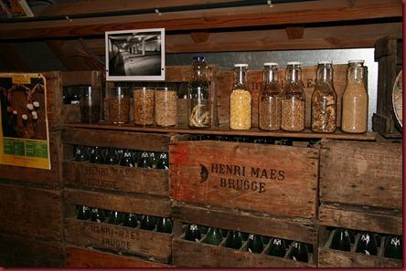 De_Halve_Maan_museum_beer_cases2_800